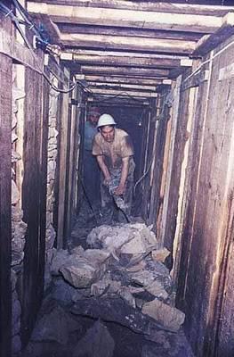 Yahudi Menggali Di Bawah Masjid Al-Aqsa 4